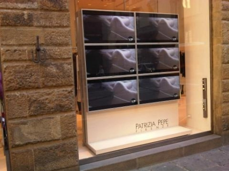 Firenze: Digital Signage negli showroom Patrizia Pepe
