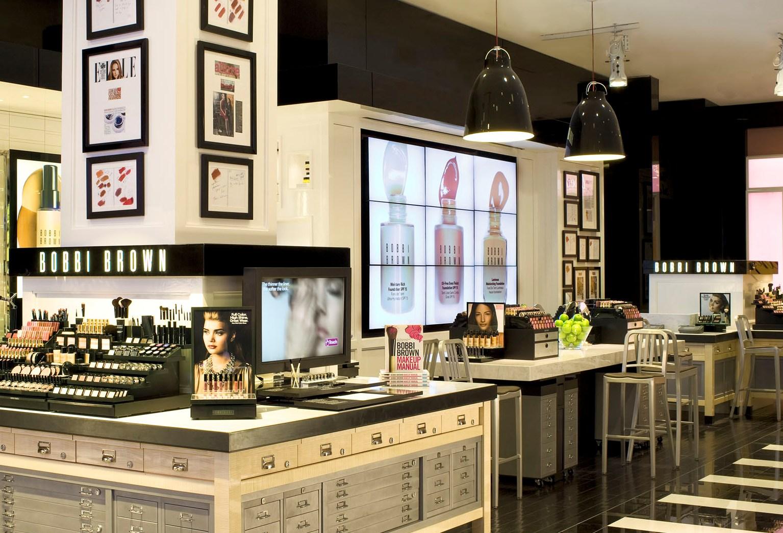 USA: Digital Signage per il flagship di Bobbi Brown a New York
