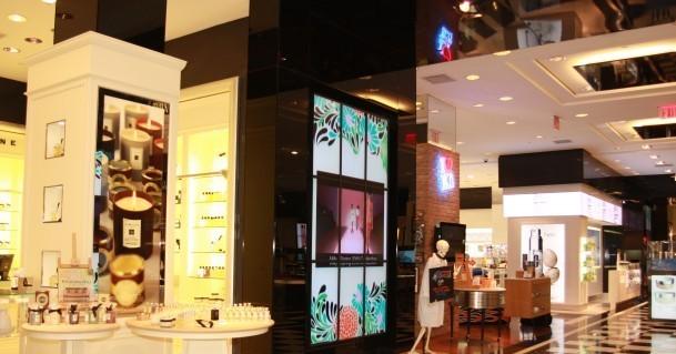 Schermi digitali e videowall nei grandi magazzini