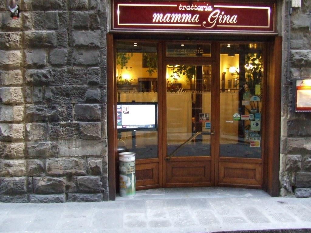 Monitor OverTv per la trattoria Mamma Gina a Firenze
