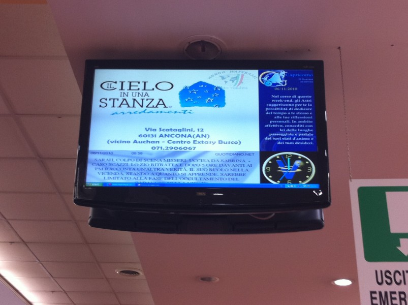 Civitanova: schermi digitali al centro commerciale Mega