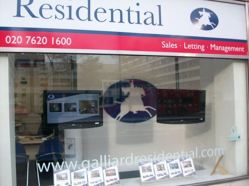 Regno Unito: le agenzie immobiliari usano il Digital Signage in vetrina