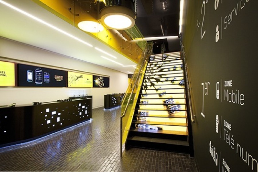 Canada: Mobile phone bar e soluzioni Digital Media per il flagship di Videotron