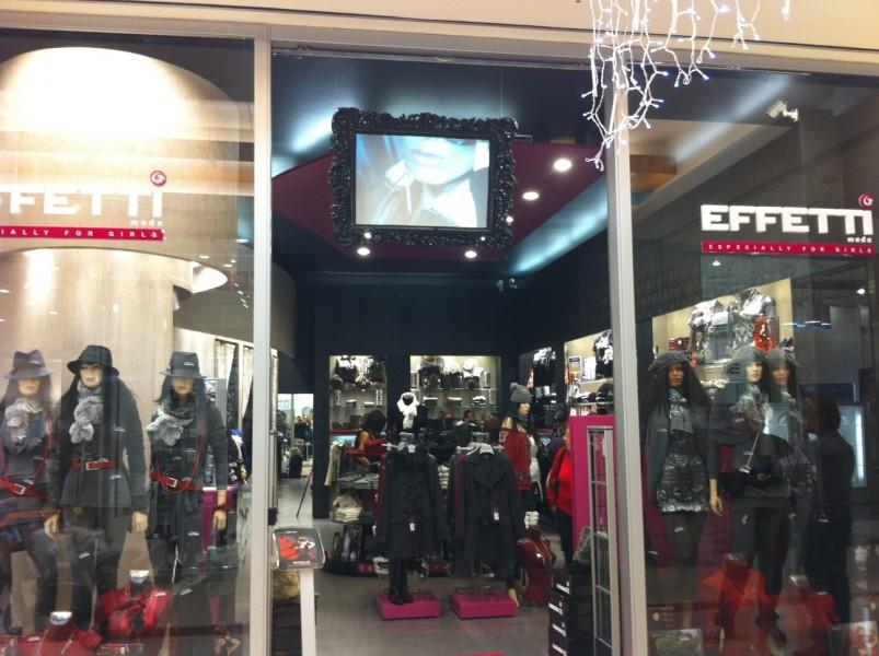 Italia: monitor digitale per il negozio di abbigliamento Effetti