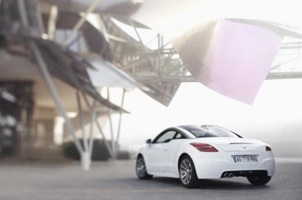 Peugeot: debutta il Wi-Fi in auto