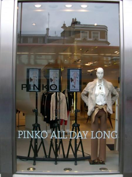 Londra: monitor in vetrina per Pinko