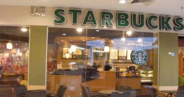 Colazione da Starbucks, con Apple e Yahoo