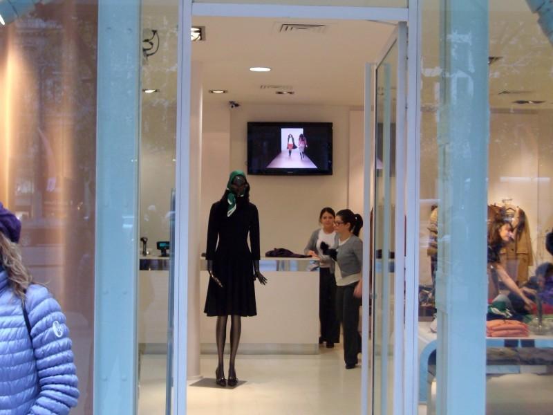 Parigi: Digital Signage inStore per il brand Tara Jarmon