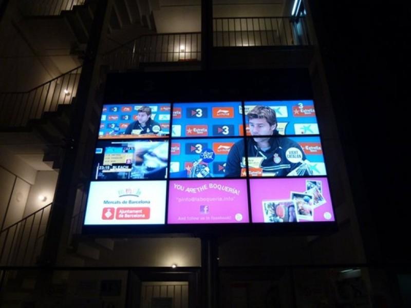Spagna: videowall alla Boqueria, il famoso mercato di Barcellona