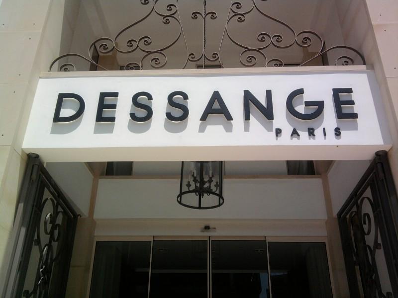 Parigi: vetrina interattiva per Jacques Dessange