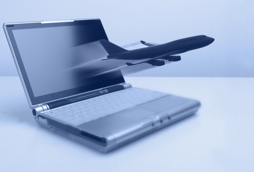 Vacanze, boom di acquisti online