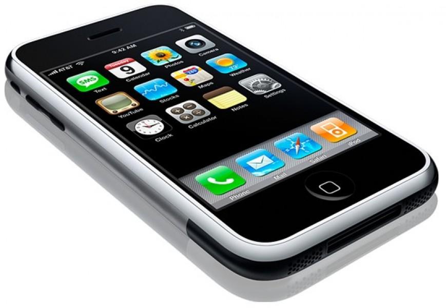Smartphone, rivoluzione d'uso: le app hanno raggiunto gli sms