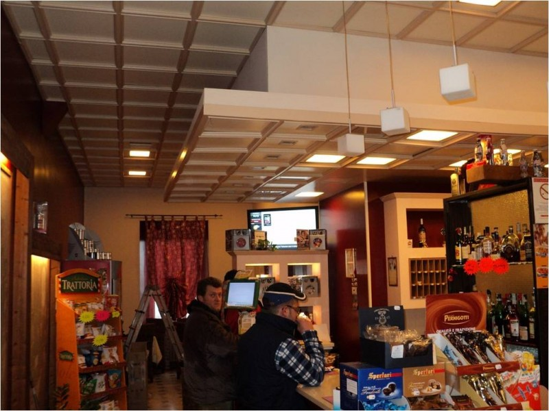 Bar a Petritoli con monitor OverTv
