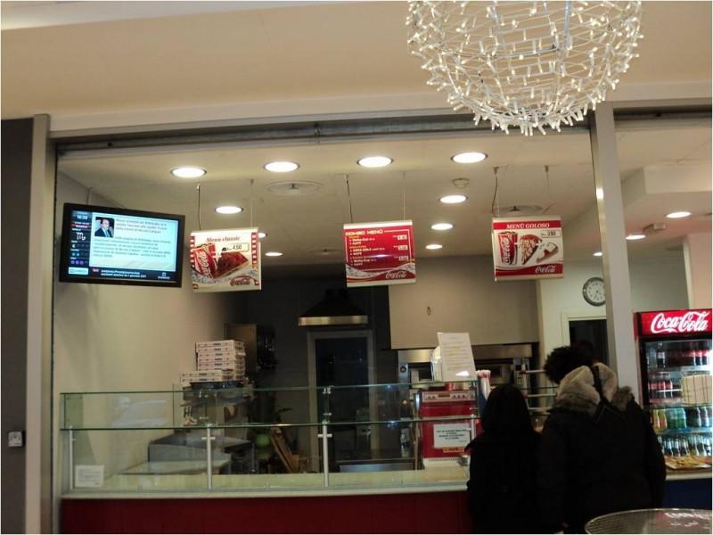 Bar gelateria con display OverTV