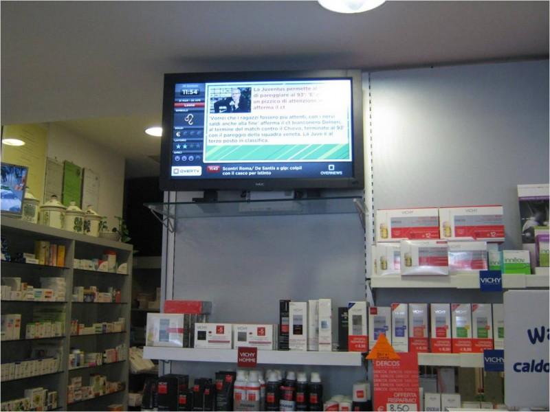 Campadara: Farmacia con Digital Signage OverTv