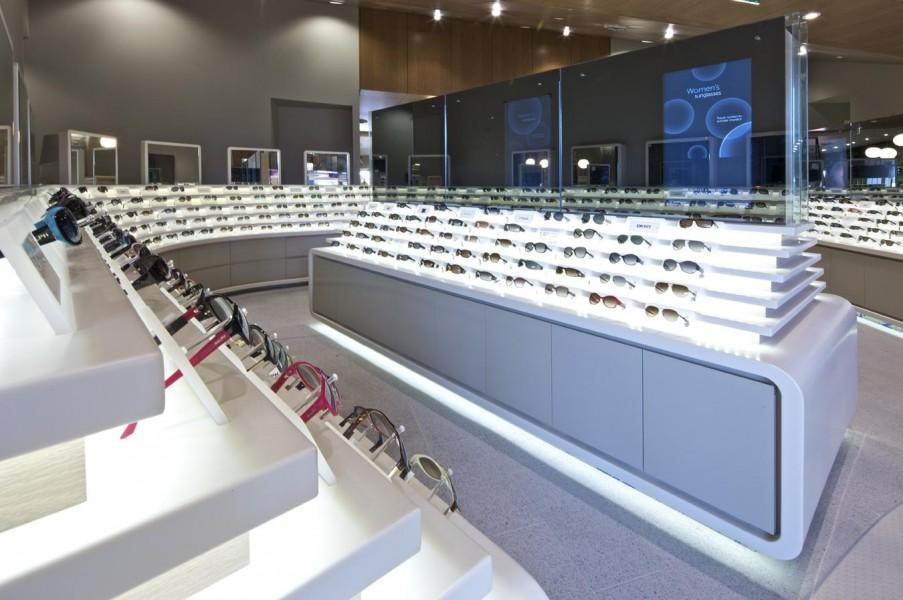 Luxottica svela il futuro del retail