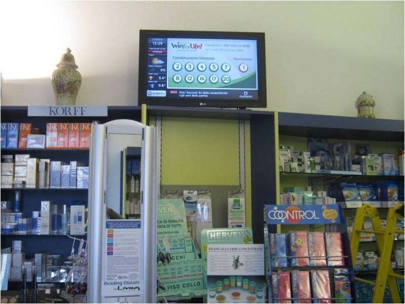 Solbiate: Farmacia con monitor OverTv