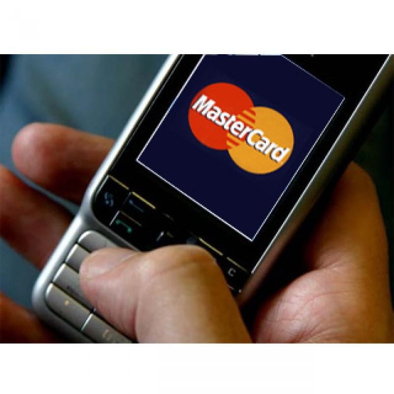 I consumatori usano lo smartphone per lo shopping on line