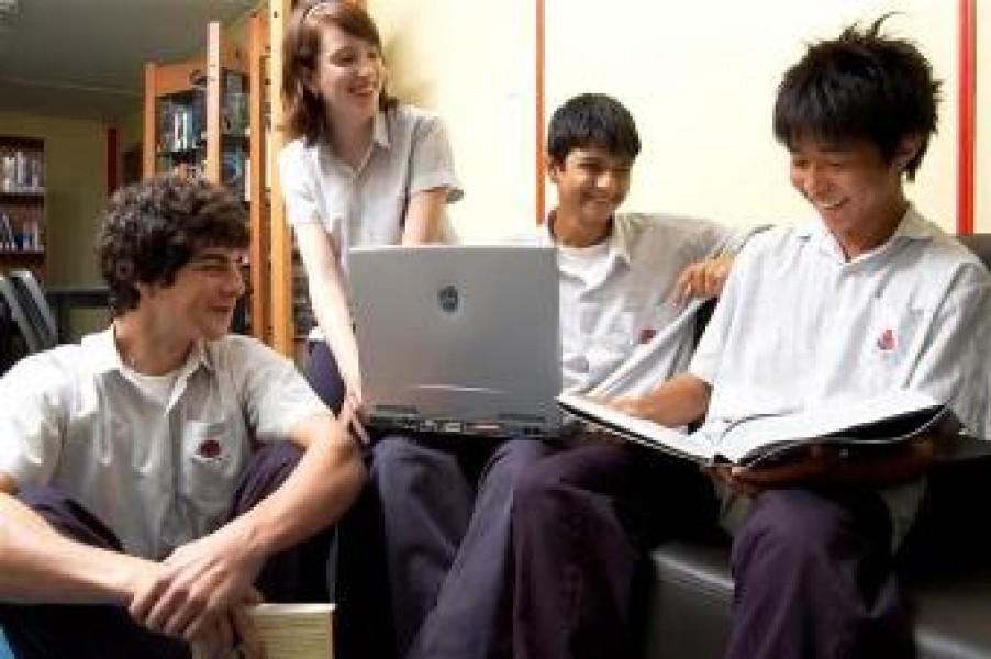 Wi-fi nelle scuole italiane entro il 2012
