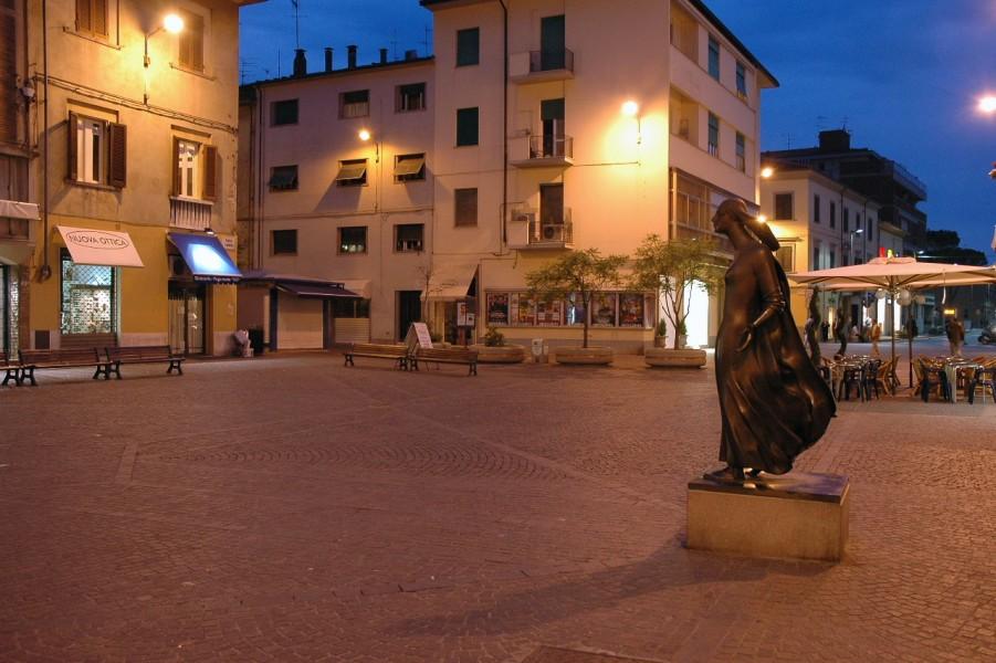 """Pontedera """"La zona Wi-Fi più grande della Toscana"""""""