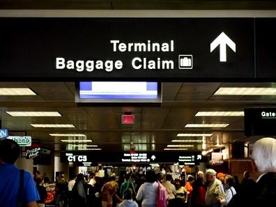 Guerlain utilizza il digital signage per dare il benvenuto all'aeroporto di Parigi