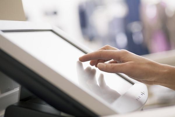 Digital Signage Torino: lo sportello virtuale Torinofacile porta l'anagrafe al supermercato