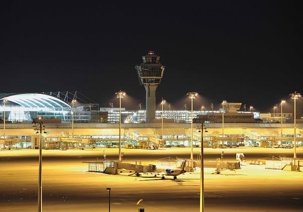 MetaTwistTower all'aeroporto di Monaco