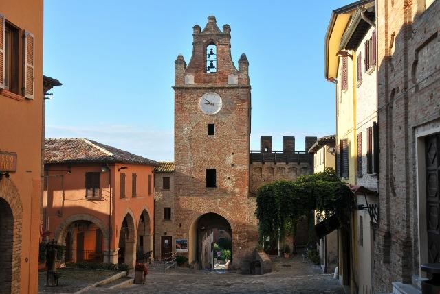 """Wi-Fi Marche: no ai """"santuari impolverati"""""""