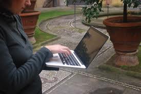 Wi-fi gratis a Napoli? La città è disconnessa e il Comune corre ai ripari