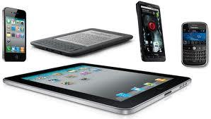 Smartphone e tablet, i media del nuovo millennio sconfiggono tv e carta stampata