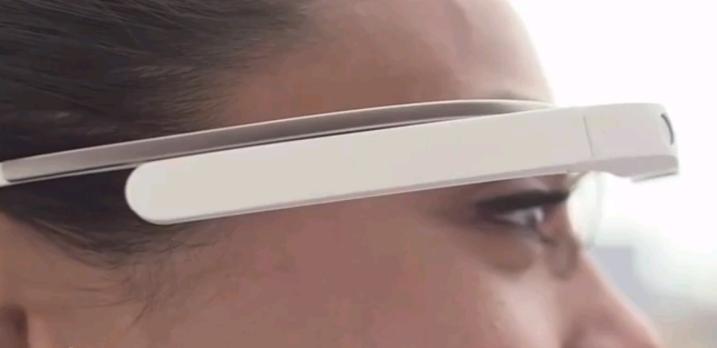 Google Glass, un video per capire come si usano