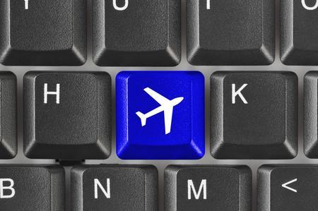 Italiani in vacanza con le prenotazioni online: ecco come si comportano