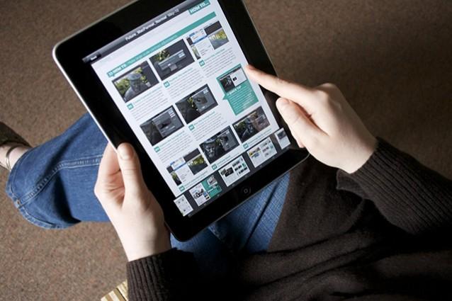 Italiani sul web, sempre più giovani e over 55
