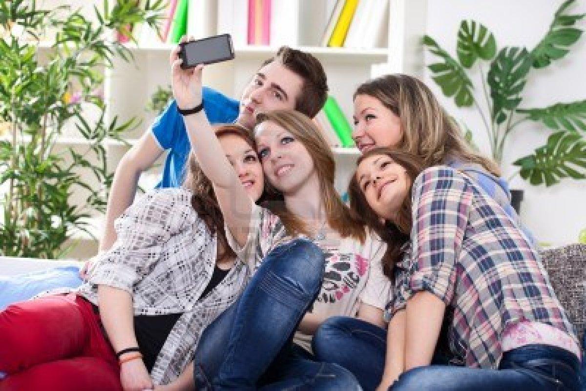 Il web degli adolescenti, lo smartphone supera il pc