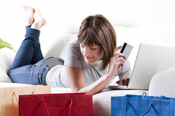Shopping online, ecco cosa comprano gli italiani
