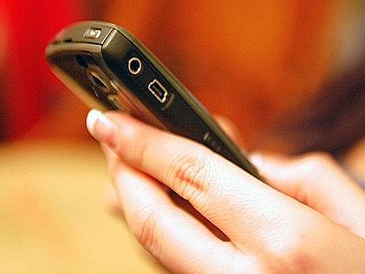 Cellulari vintage, il 20% degli italiani usa quelli tradizionali