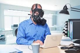 Anche le e-mail bucano l'ozono, attenzione agli abusi